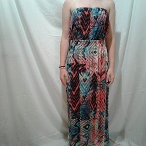 🌺 NWT TrixxiGirl Strapless Dress